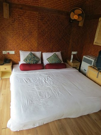 Kaivalyam Retreat : Very comfortable bed