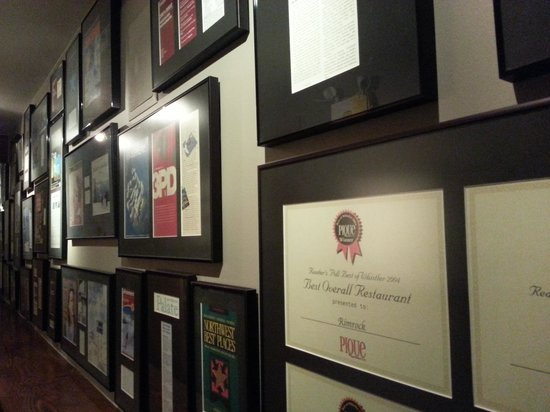 Rim Rock Cafe & Oyster Bar : Did I mention all of their awards?
