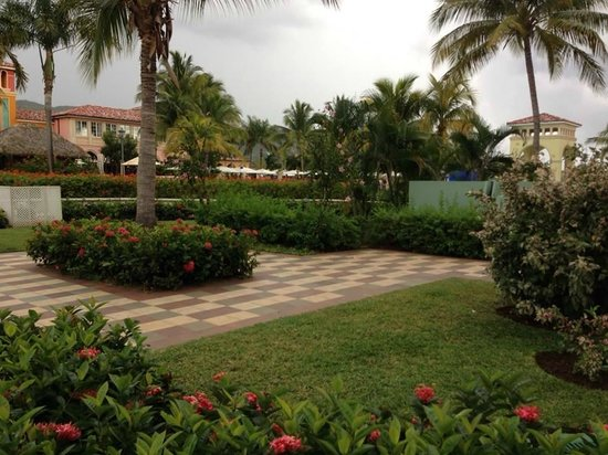 Sandals Whitehouse European Village and Spa: Grounds are beautiful