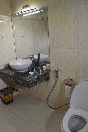 Thang Long Hotel: Ванная комната