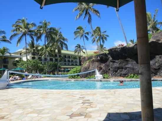 Kauai Beach Resort : View of hotel from the pool area