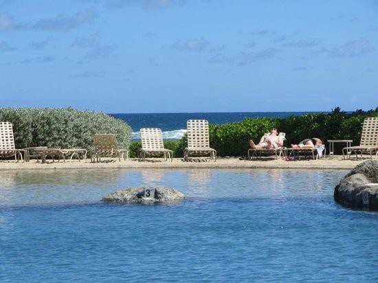 Kauai Beach Resort : Sand Bottom Pool