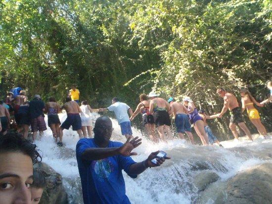Dunn's River Falls and Park: Climbing