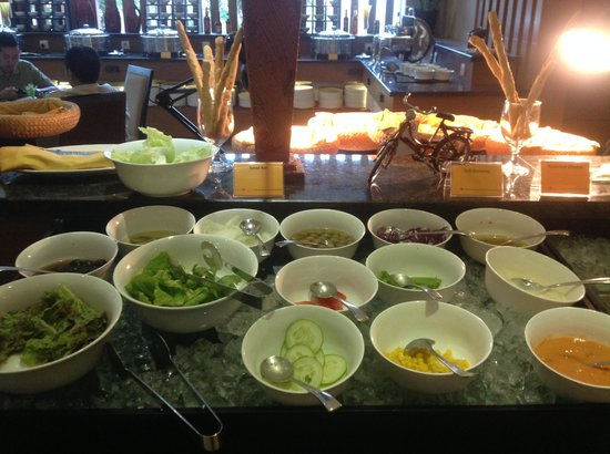Grand Tjokro Yogyakarta : love this salad bar !