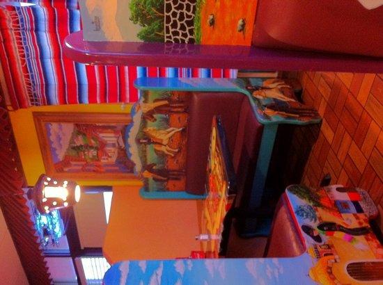 El Tapatio dining booth