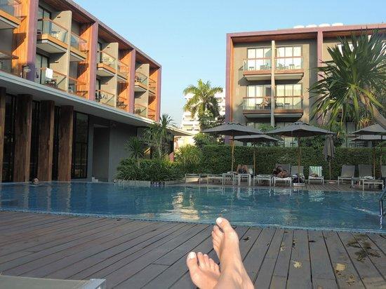Holiday Inn Express Phuket Patong Beach Central : Piscina
