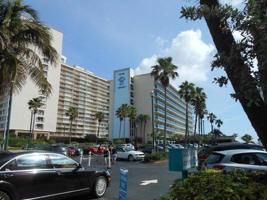 Ocean Sky Hotel & Resort : Street level view of hotel