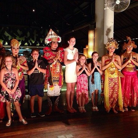 Padma Resort Legian : Enjoying the entertainment at dinner