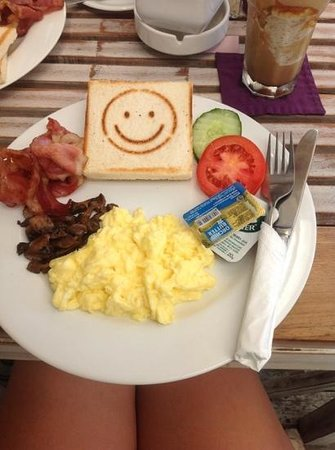 Coffee Corner: breakfast with a smile :) (roughly under 4 AUD)