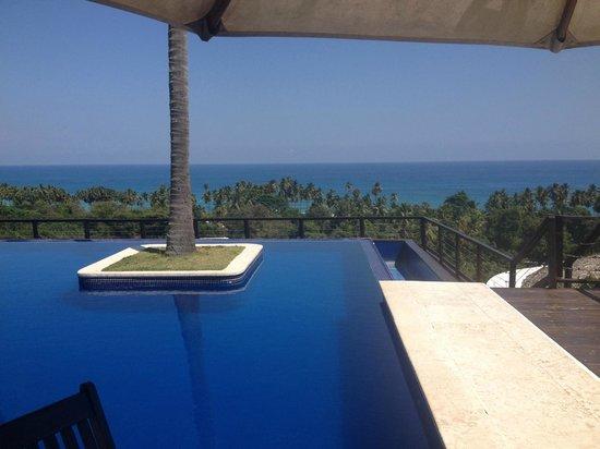 Casa Bonita Tropical Lodge: lunch by the pool