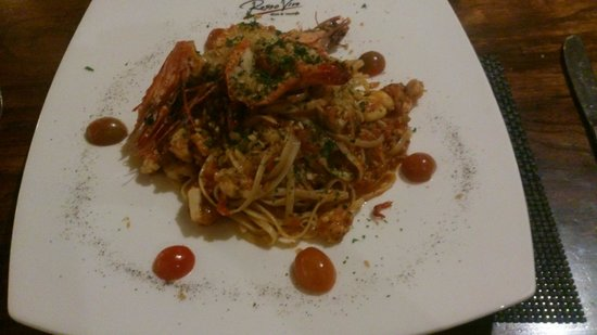 Rosso Vivo Dine & Lounge : Linguine ai Gamberoni