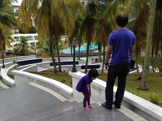 Klana Resort Seremban: The outdoor pool at Klana Beach Resort Seremban