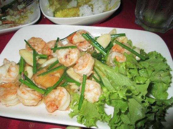 Nyam: Shrimp with garlic - well cooked, slightly underseasoned