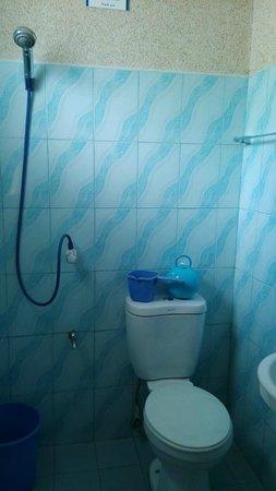 BCD's Place: Bathroom