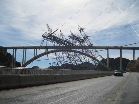 Mike O'Callaghan-Pat Tillman Memorial Bridge : Bridge and slanted transmission towers.