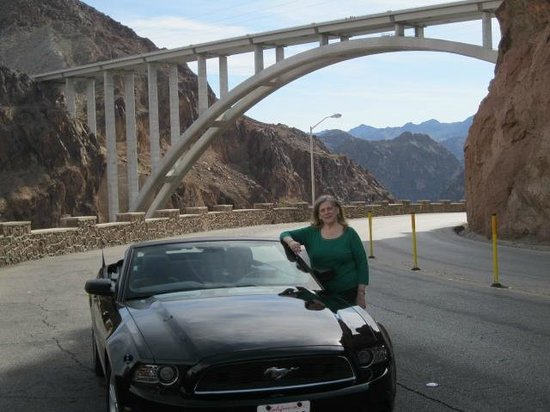 Mike O'Callaghan-Pat Tillman Memorial Bridge : BRidge from roadway.