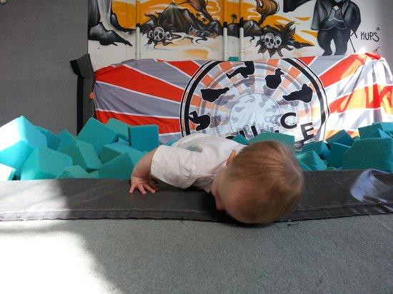 Bounce Acrobatic Academy: getlstd_property_photo