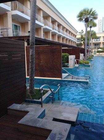 Millennium Resort Patong Phuket: Pool View