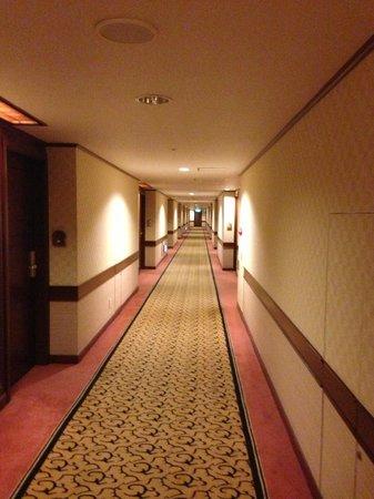 Okura Garden Hotel Shanghai: ホテル内通路