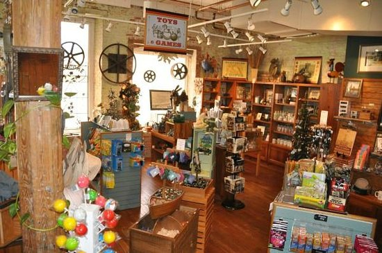 Augusta Canal Discovery Center : fun gift shop!!!