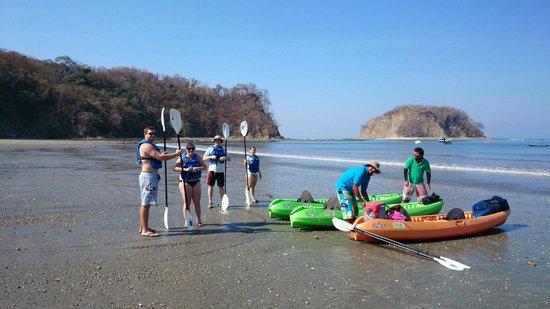 Carrillo Adventures & Travel : Carrillo Adventures Kayaking & snorkeling Isla chora