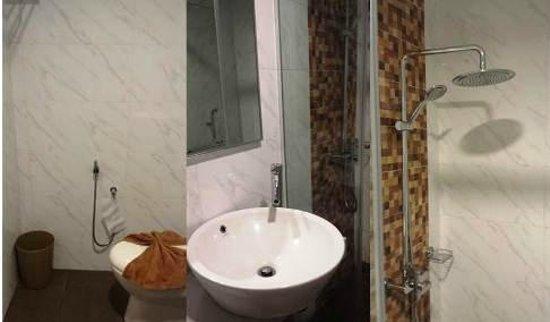 Waterfront Boutique Hotel : Bathroom