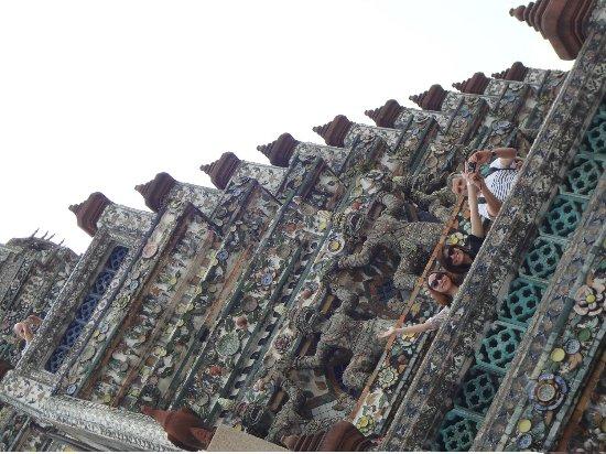 Templo del Amanecer (Wat Arun): Very colorful