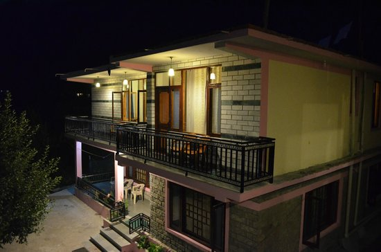 Gezellig Inn - Tree Hill Cottages and Kanyal Villas: Property 3