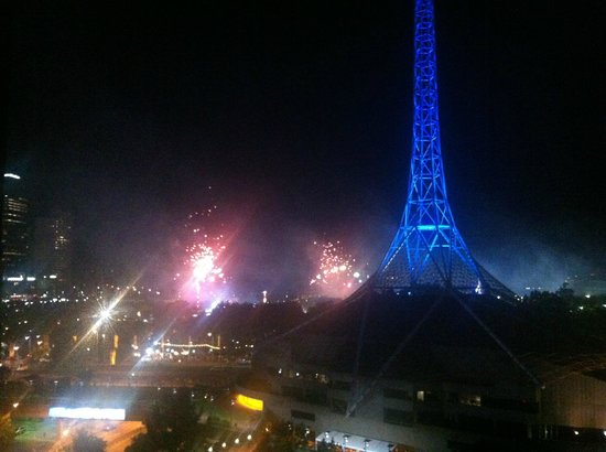 Mantra Southbank Melbourne: Moomba fireworks from 2-bedroom apartment