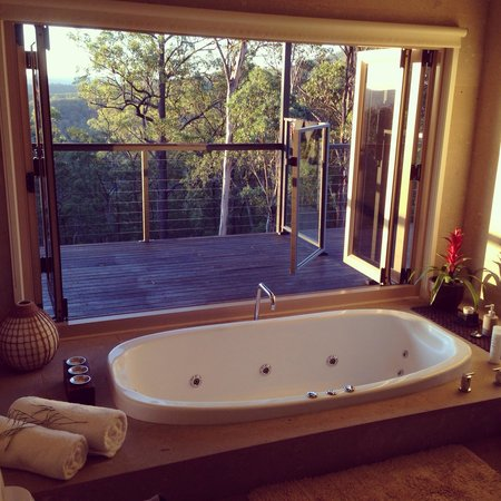 Wild Edge Retreat: Beautiful bath