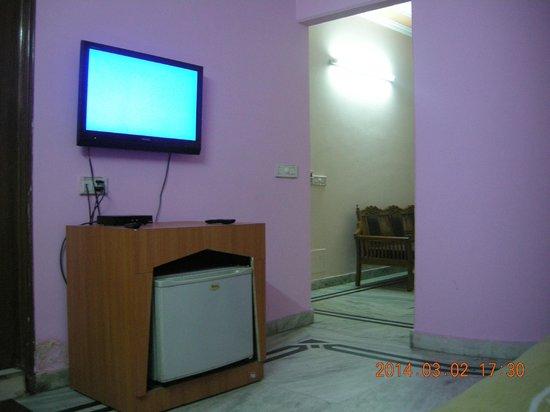 Metro City Hotel: Room