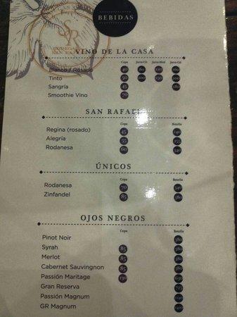 Ojos Negros WIne Bar and Cafe: Menú de vinos y bebidas preparadas