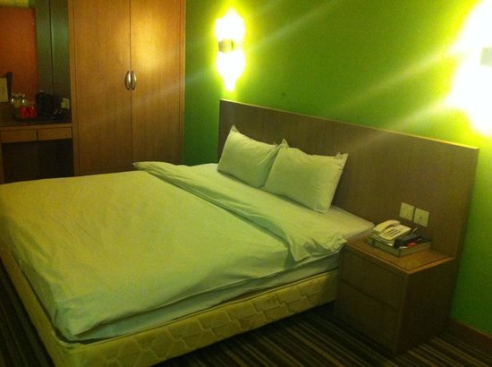 Grand Sentosa Hotel: Superior room with King bed