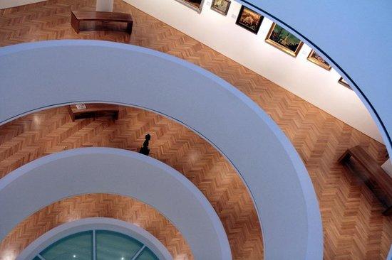 Nedbalka Gallery: Nice art gallery configuration