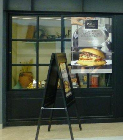 Palais des Congres de Paris: The bakery..