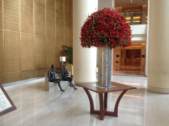 Trident, Bandra Kurla, Mumbai : flowers on display
