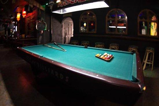 The Pub Hotel: pool bar