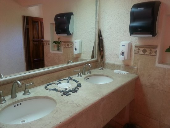 Bel Air Collection Resort & Spa Los Cabos: restroom besides the upper restaurant