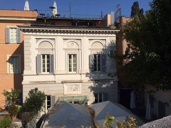 Il Palazzetto: room with a view