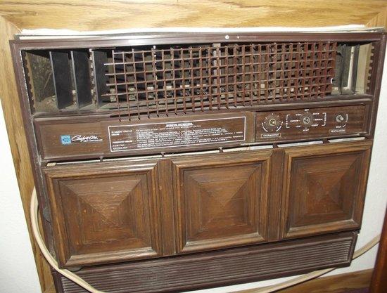 Super 8 Cortez/Mesa Verde Area: Air conditioning unit