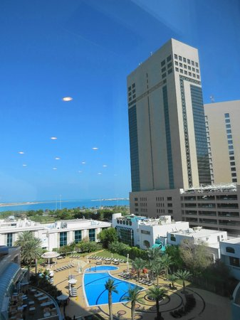 Al Ain Palace Hotel : Arial view of the low rise hotel