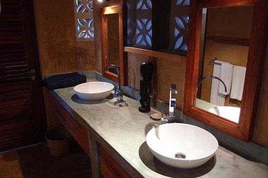 Bathroom Picture Of Sunshine Marine Lodge Matemwe TripAdvisor