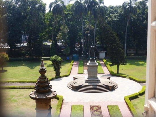 Chhatrapati Shivaji Maharaj Vastu Sangrahalaya : из окна музея photo from the window
