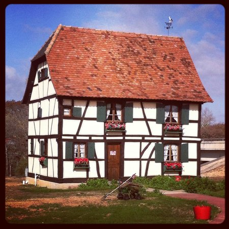 Hotel Alsace & Spa Resort: Alsatian Home nearby