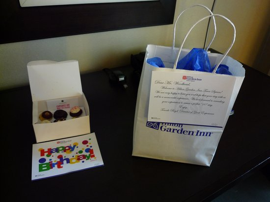 Hilton Garden Inn Times Square: Birthday message