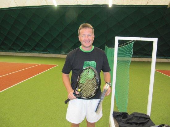 Hotel Imperial: Инструкор по теннису Ярослав