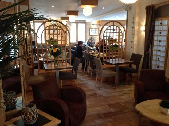 Hotel la Galise: View of lobby into breakfast area.