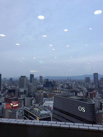 Tsuruhashifugetsu Hankyu32bangaiten: 窓際の景色