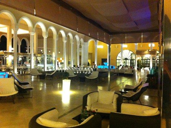 Gran Melia Palacio de Isora Resort & Spa : cour interne