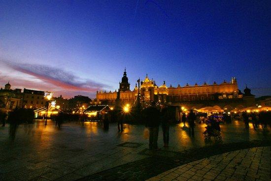 Marktplatz (Rynek Główny): Zachód słońca Rynek Krakowski